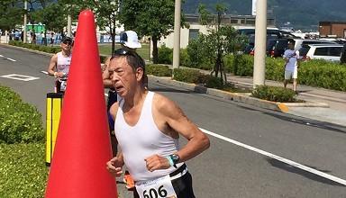 藤本恒夫さん、トライアスロンで完走!
